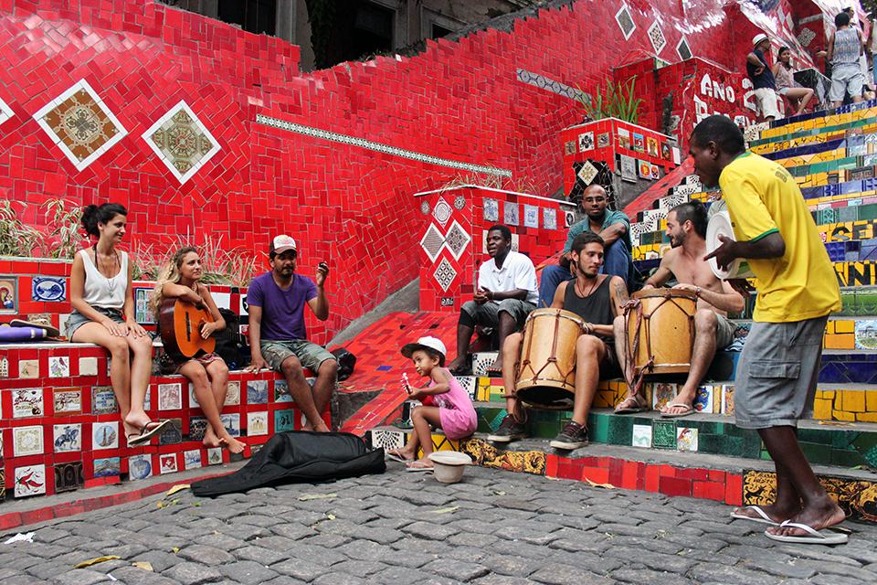 rio-escalier-selaron-musique
