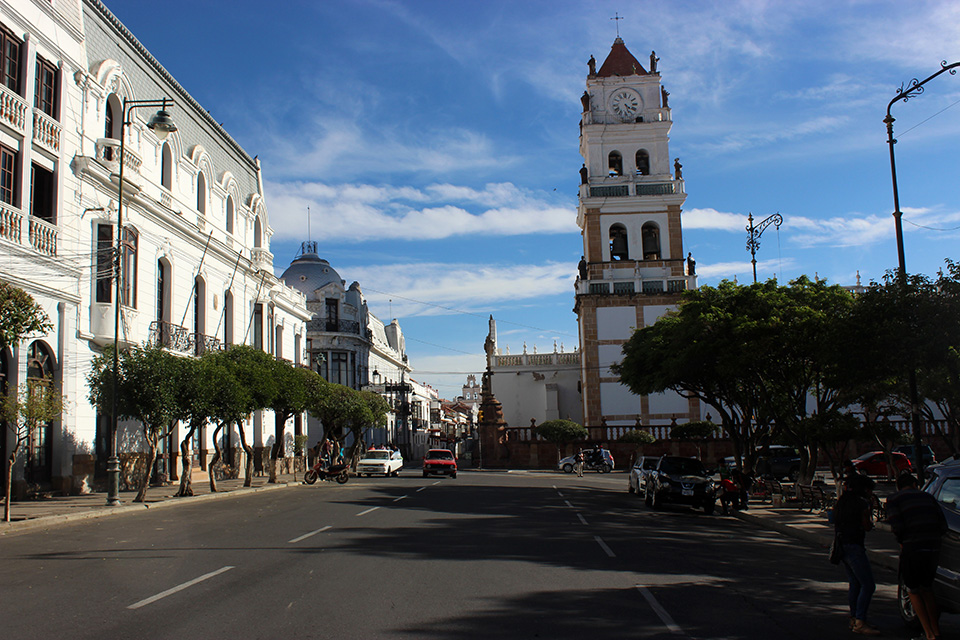 plaza mayo 25, sucre