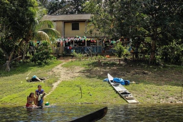casa-nativa-amazonie