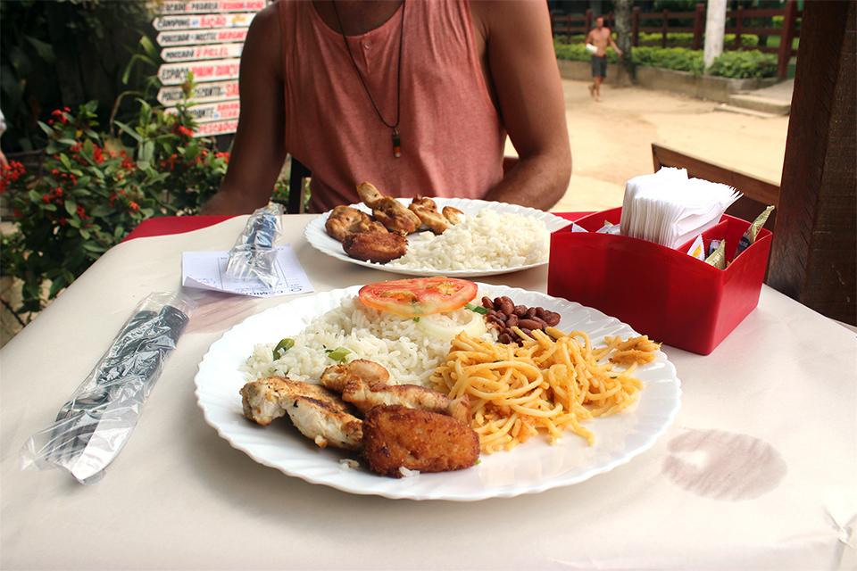 ilha-grande-comida-caseira