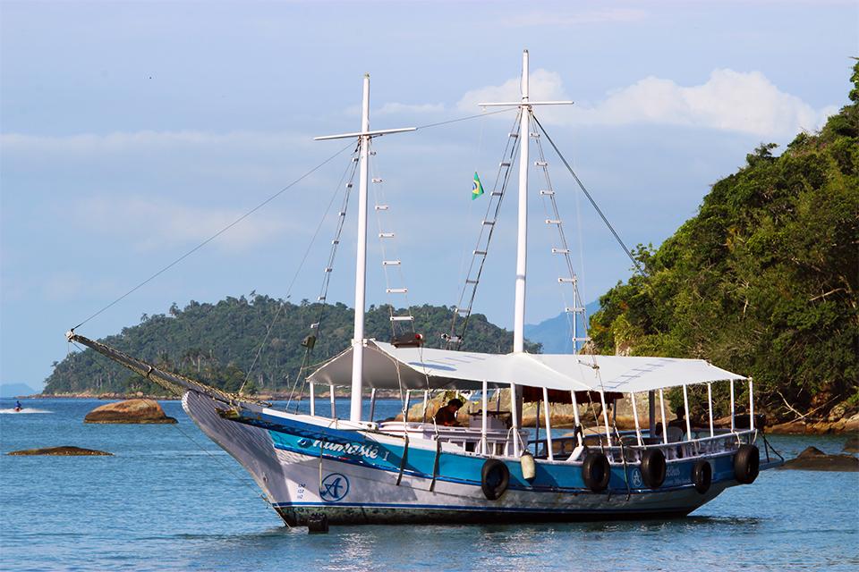 ilha-grande-lago-azul
