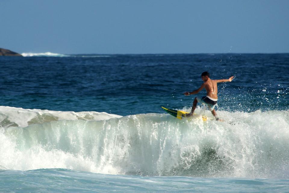 ilha-grande-lopez-mendes-surf