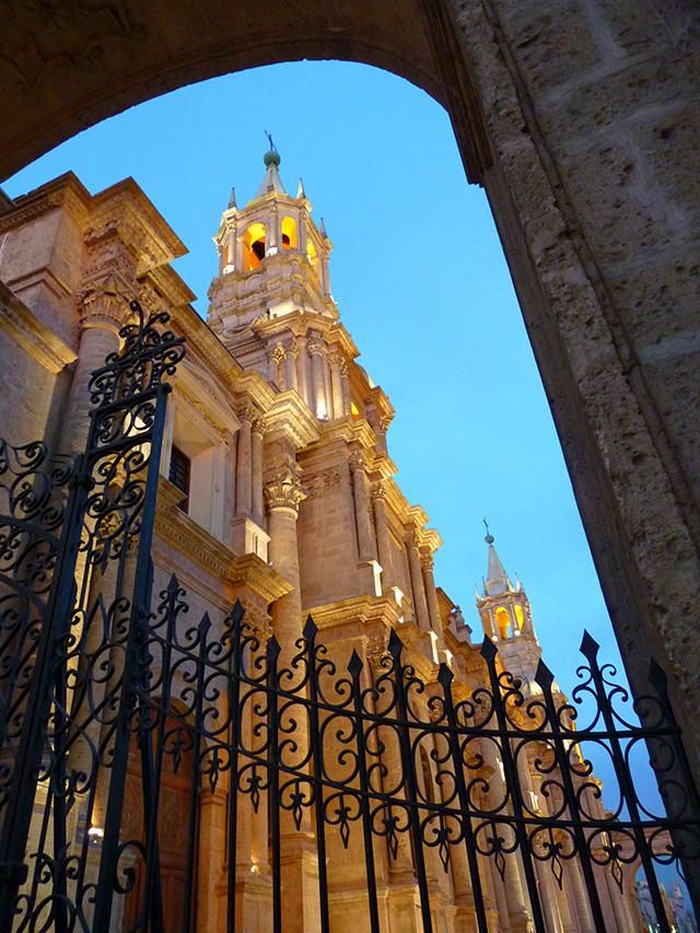 arequipa plaza armas, monastere