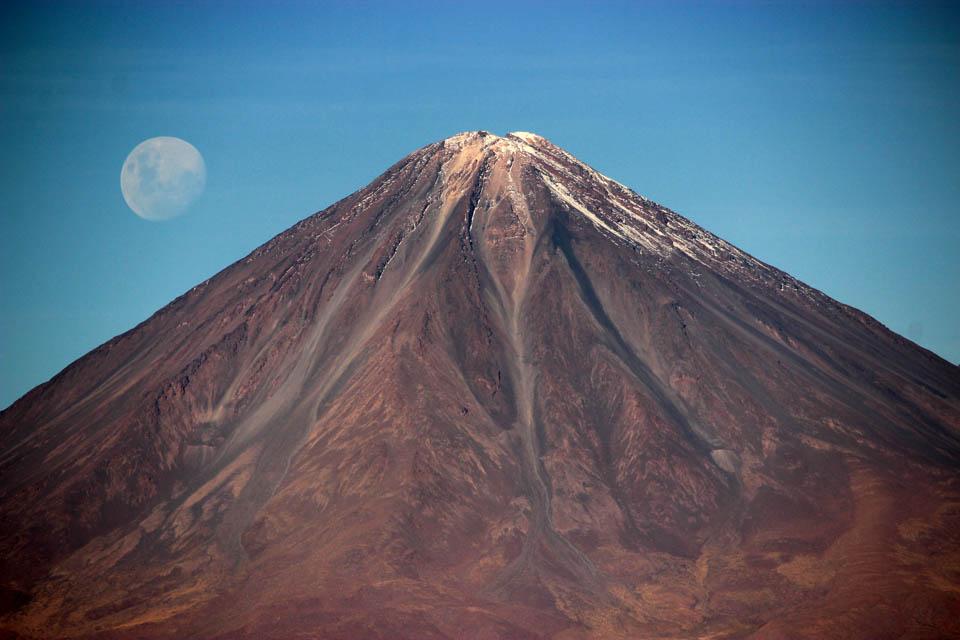 atacama-volcan-lune