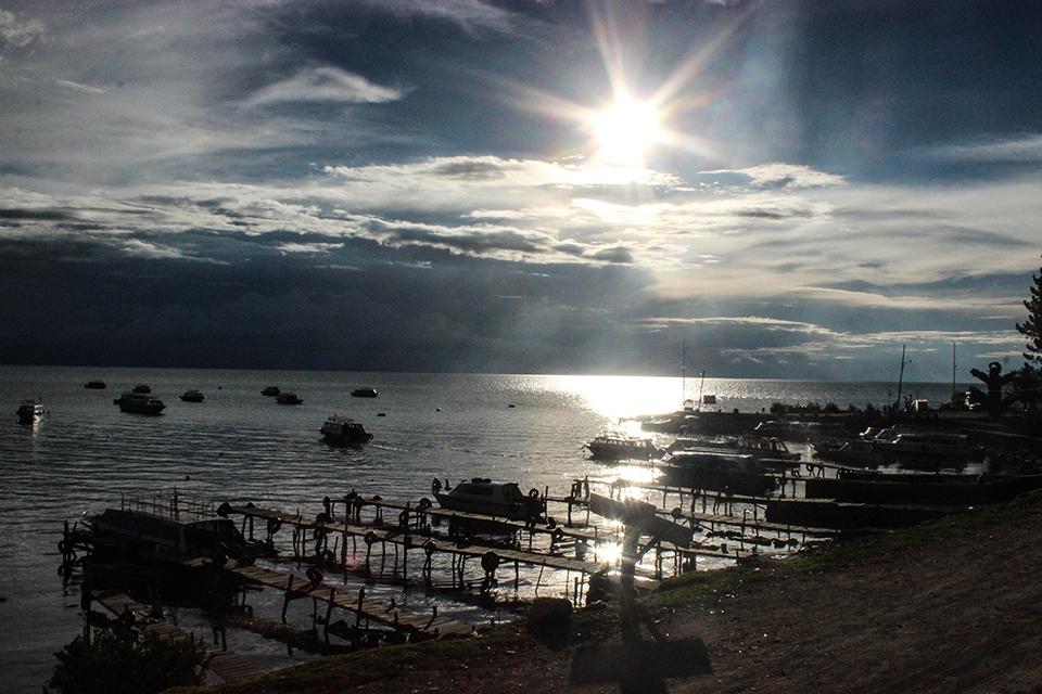 lac titicaca, copacabana, bolivia