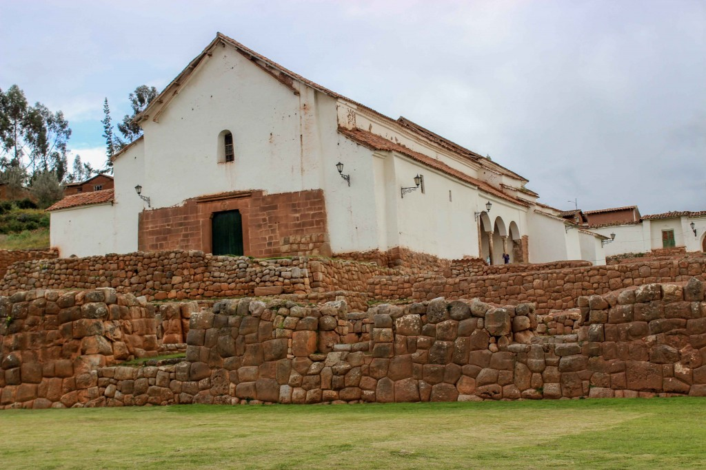 vallee-sacree-chinchero-eglise