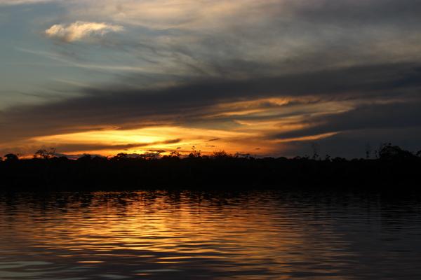 coucher-soleil-amazone-amazonie-bateau