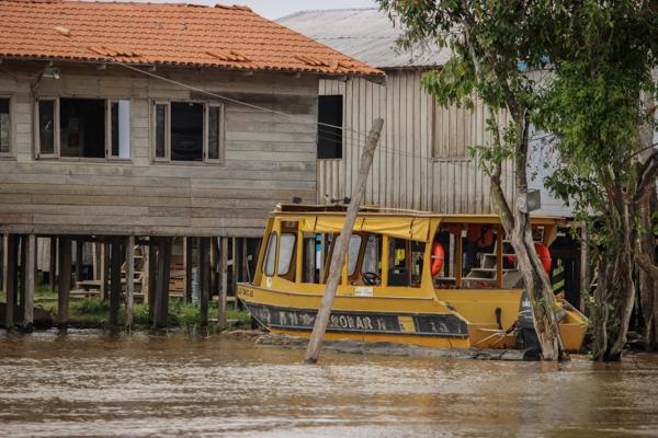 amazonie-bus-boat-bresil