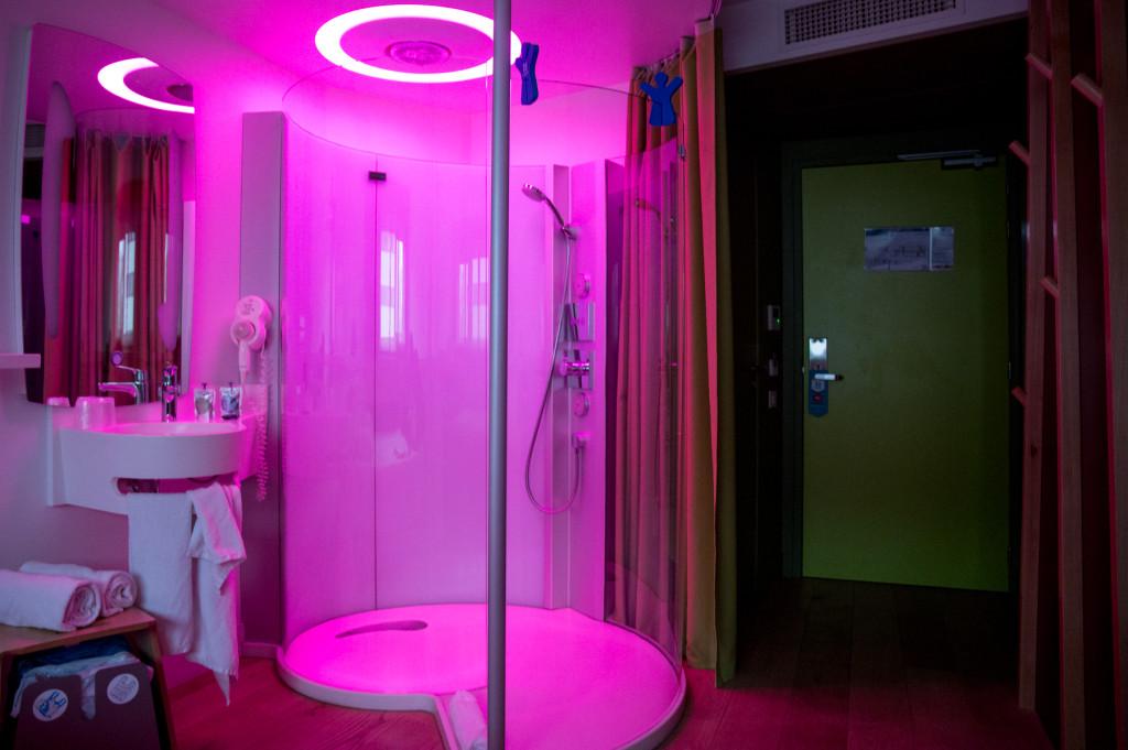 nomad-hotel-douche-couleur