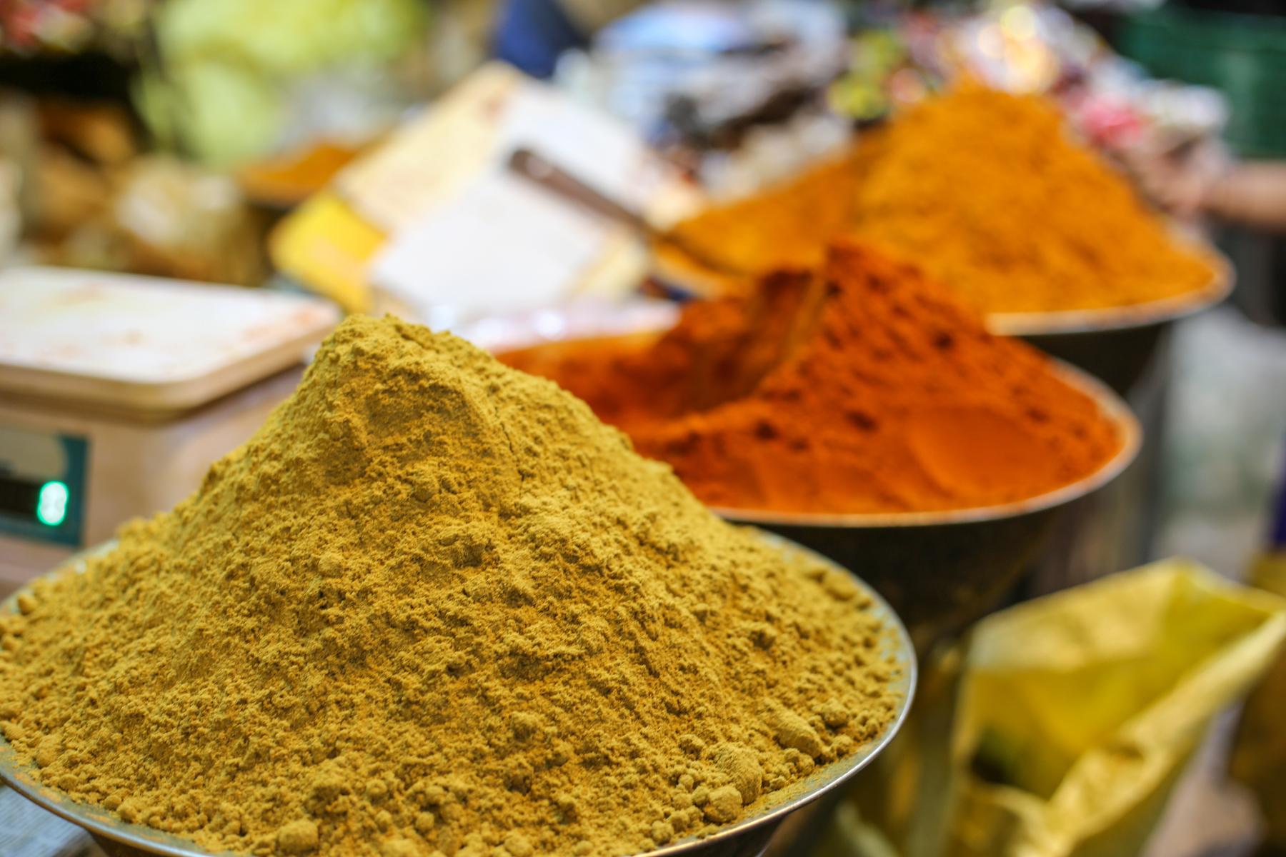 Inde-marché-pondichery-goubert-market-épices
