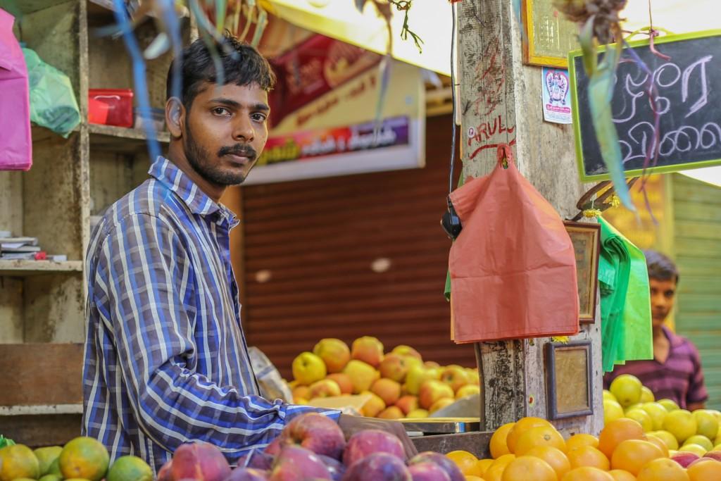 Inde-marché-vendeurs-pondichery-goubert-market
