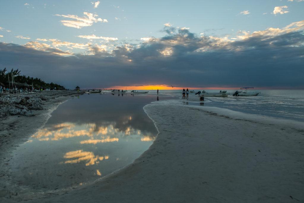 couche-soleil-plage-holbox-mexique