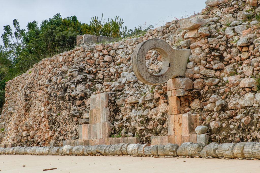 pelote-maya-ruines-uxmal-mexique-yucatan