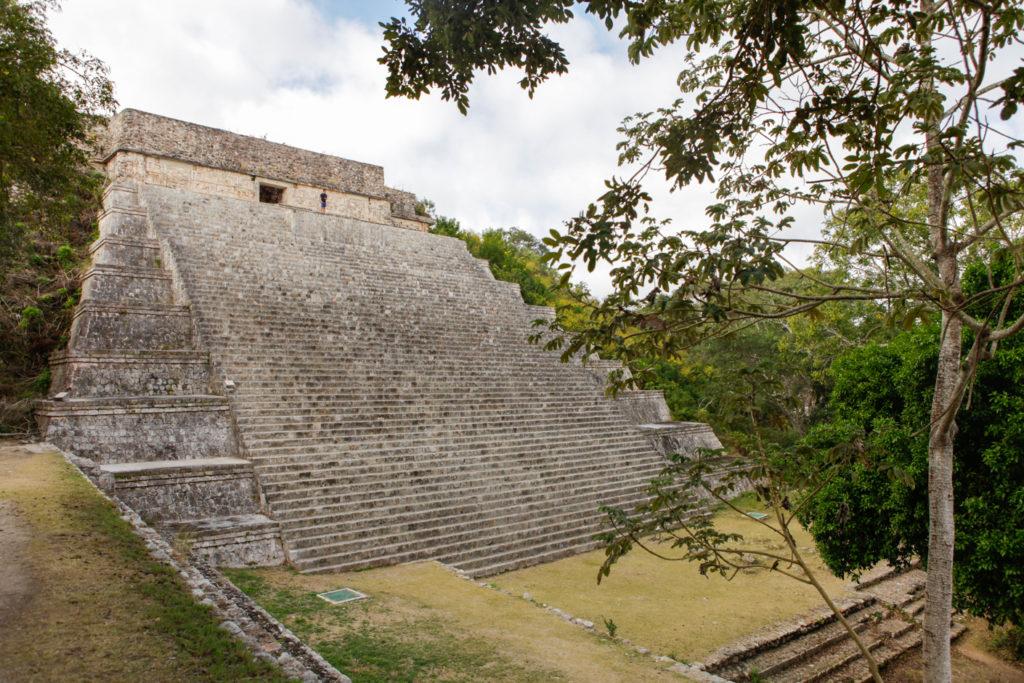 ruines-mayas-pyramide-mexique-uxmal-yucatan