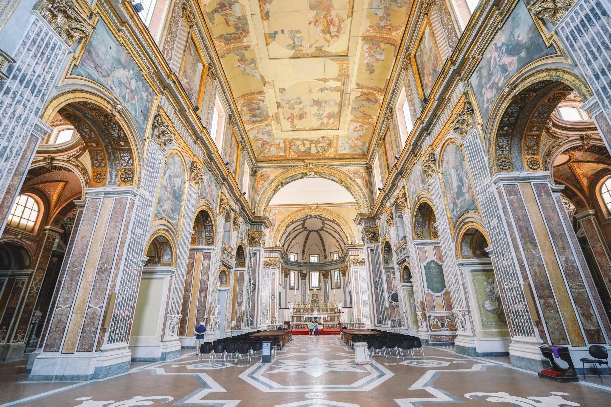 naples-visiter-city-guide-basilique-san-paolo-maggiore