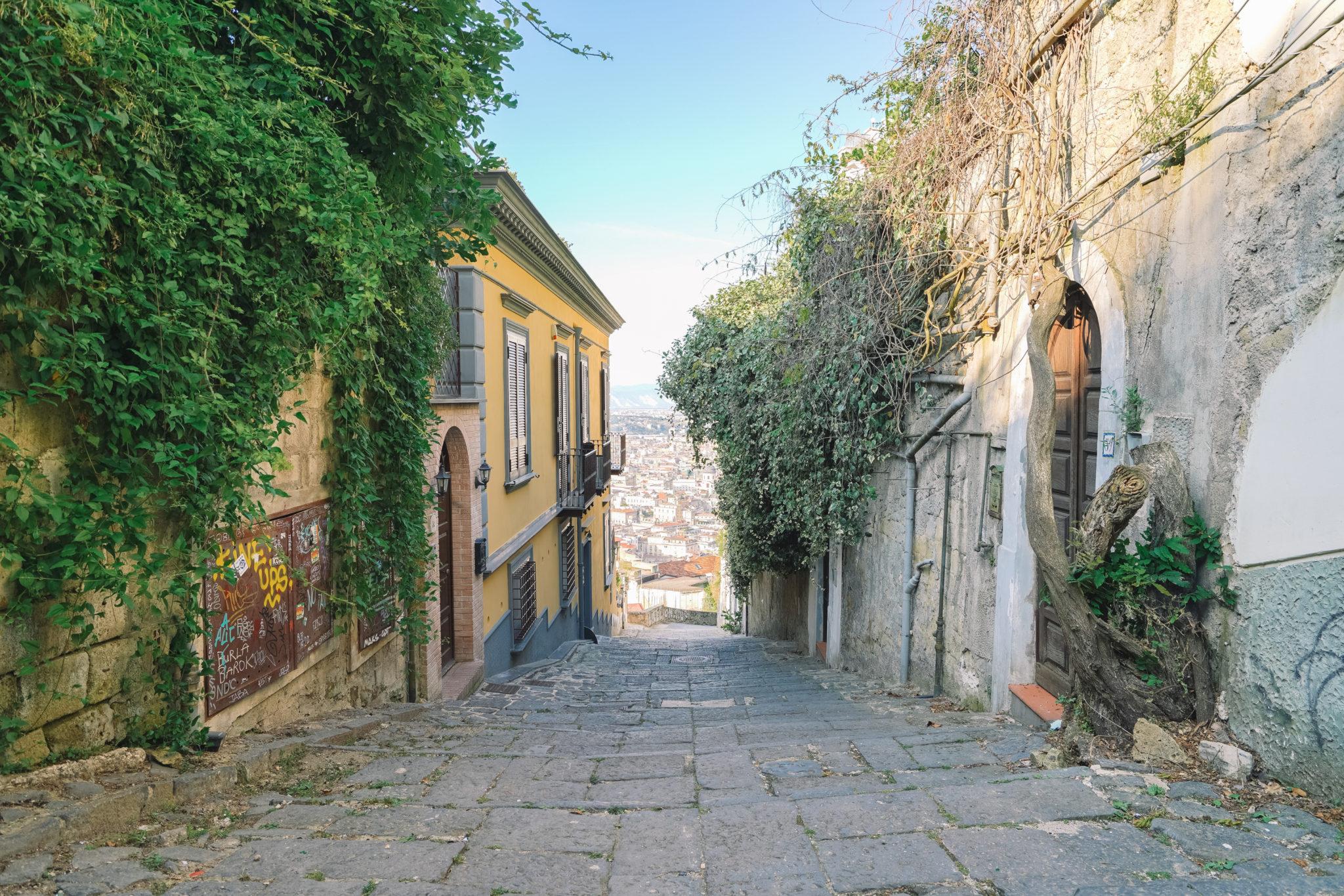 naples-visiter-city-guide-castel-sant-elmo-marches
