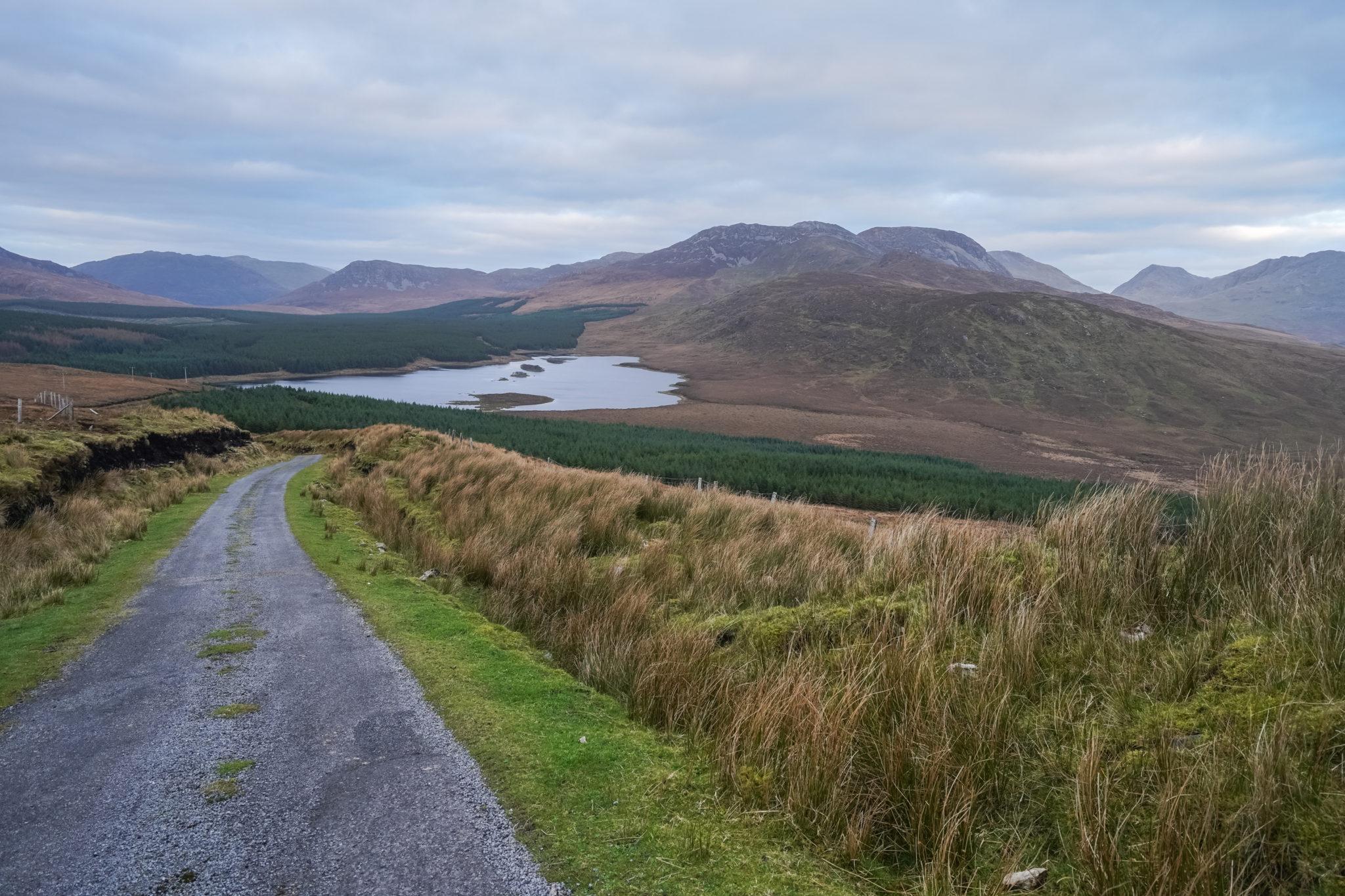 connemara-irlande-road-trip-vue-lac