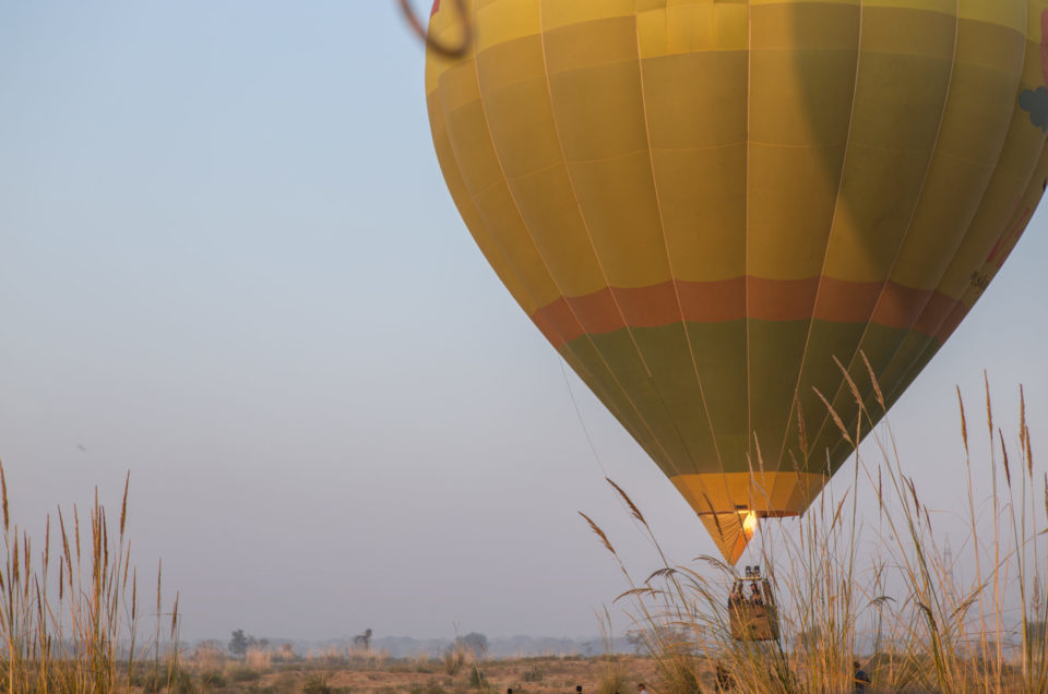 Notre premier vol en mongolfière, en Inde