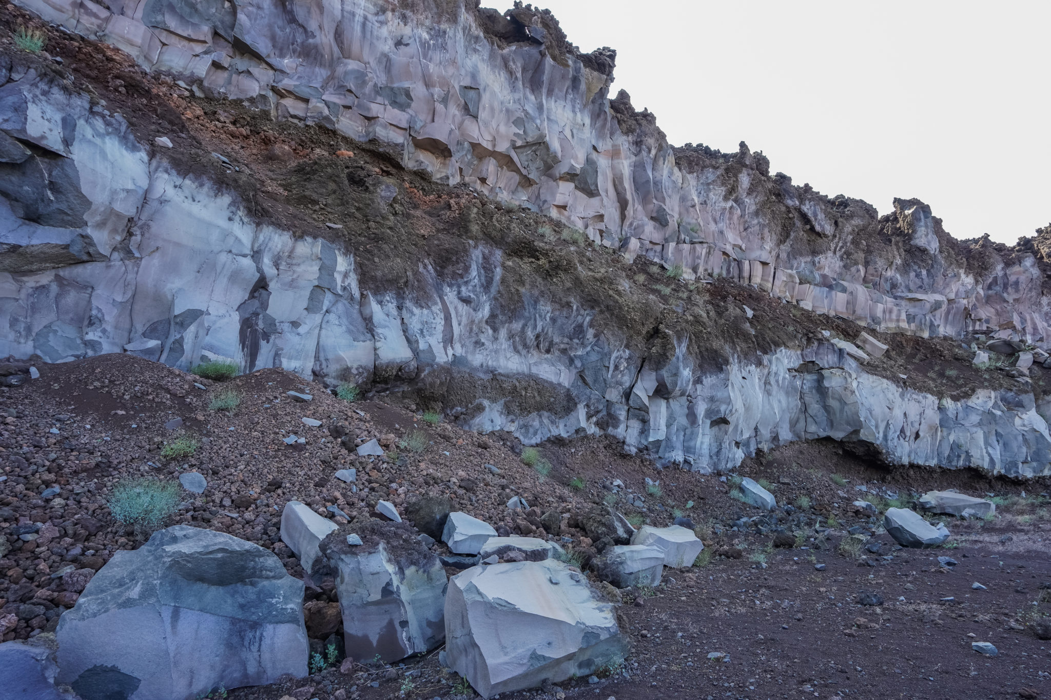 Etna-volcan-sicile-excursion-lave-eruption-basalte
