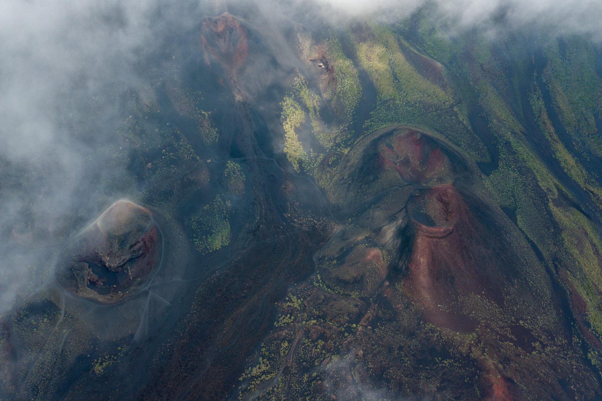 etna-volcan-cratere-sicile-drone