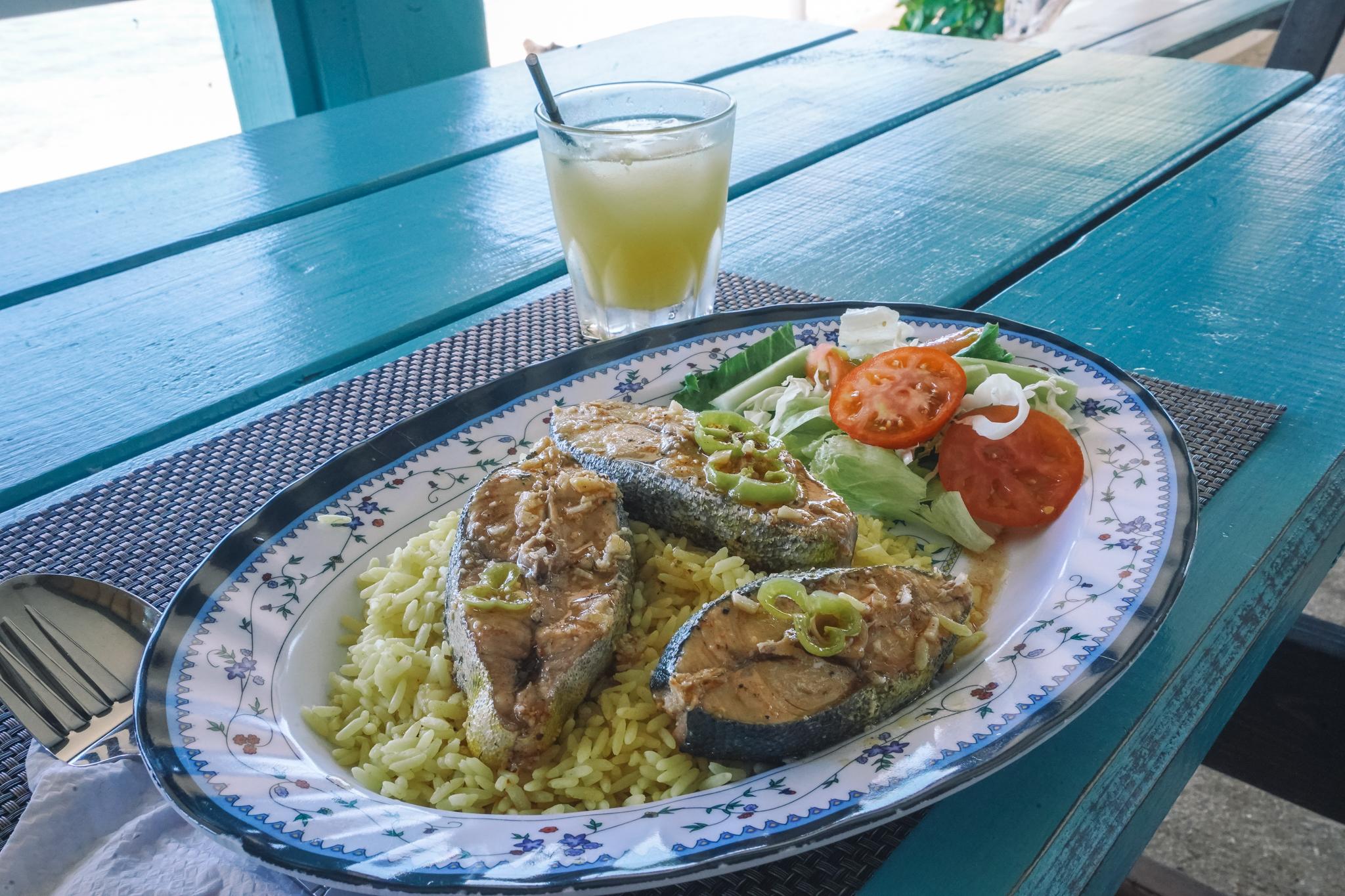 ou-manger-en-dominique-sandbar-calibishie
