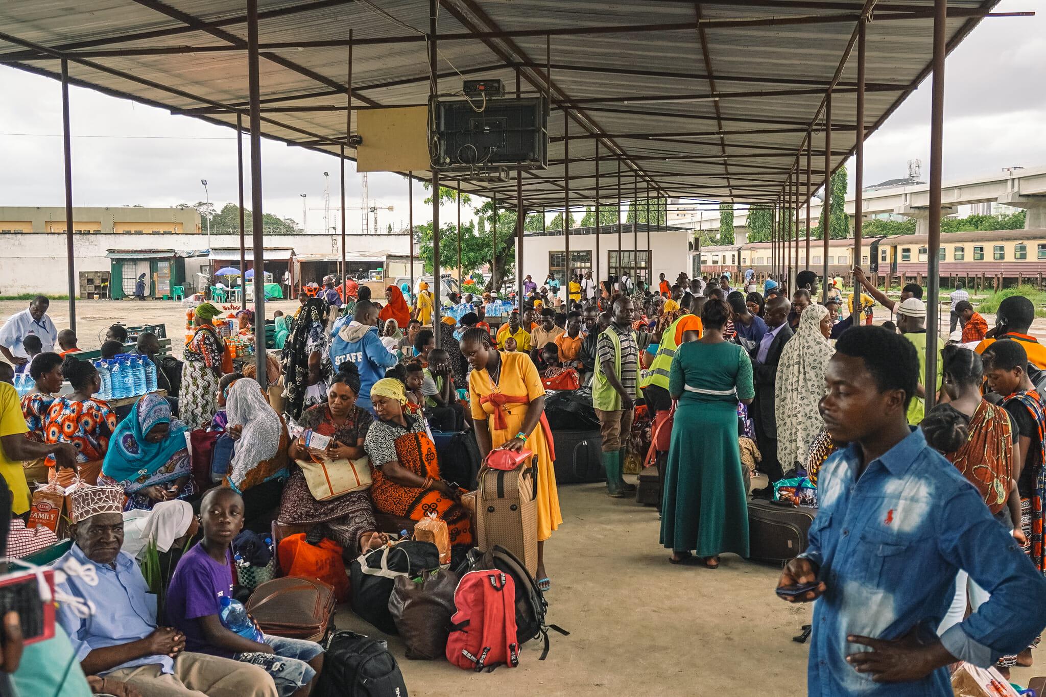 train-tanzanie-voyage-gare-dar-es-salam