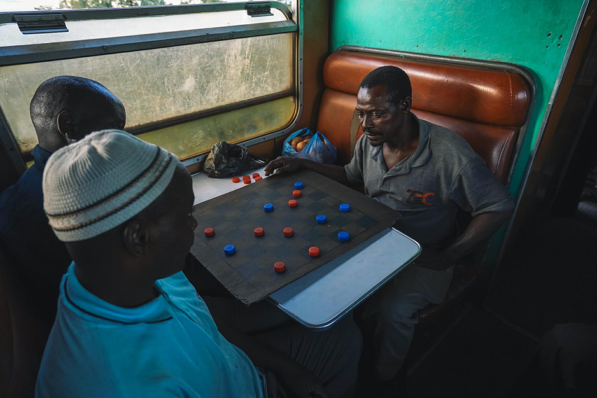 train-tanzanie-voyage-jeu