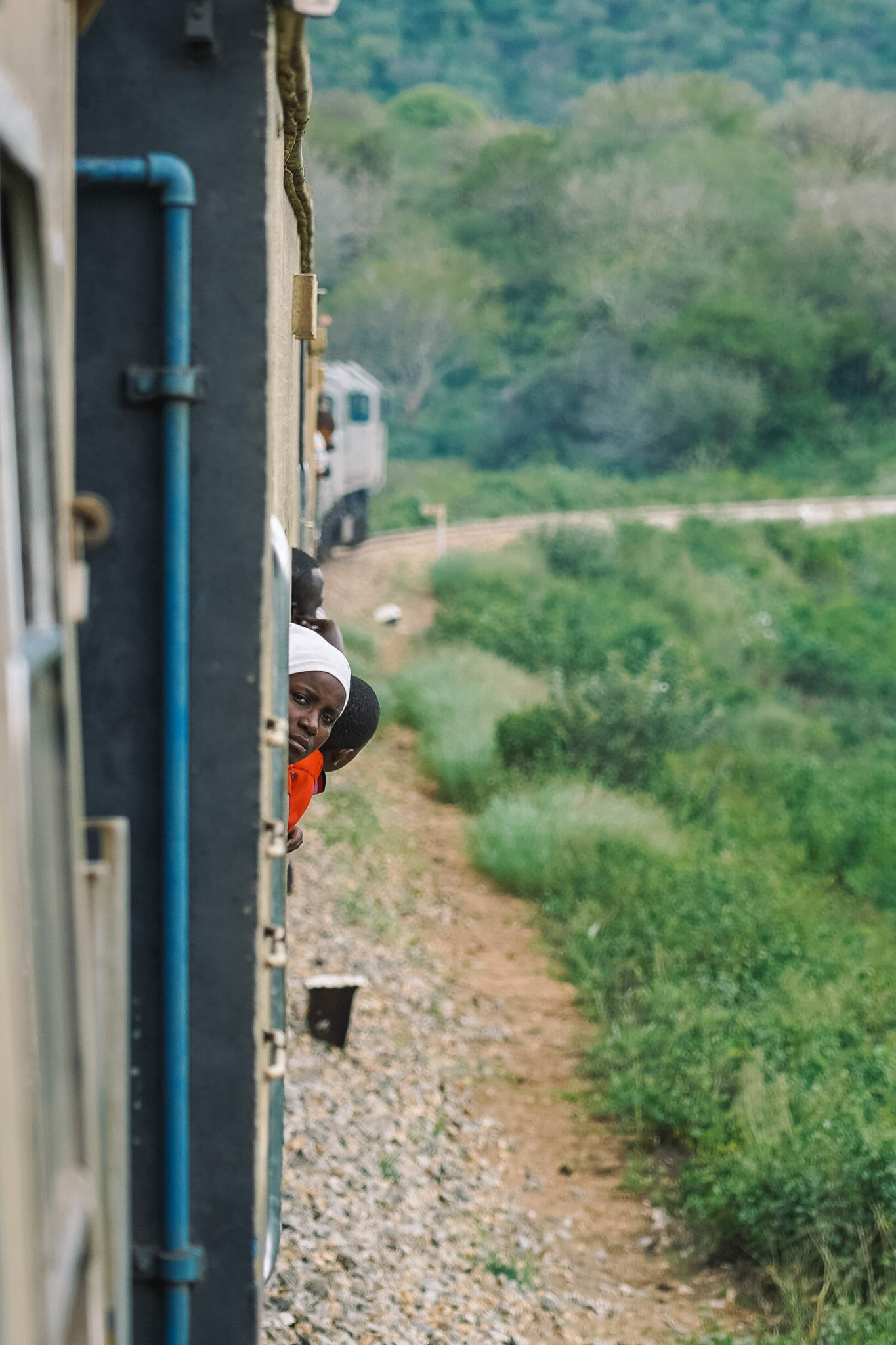 train-tanzanie-voyage-paysage