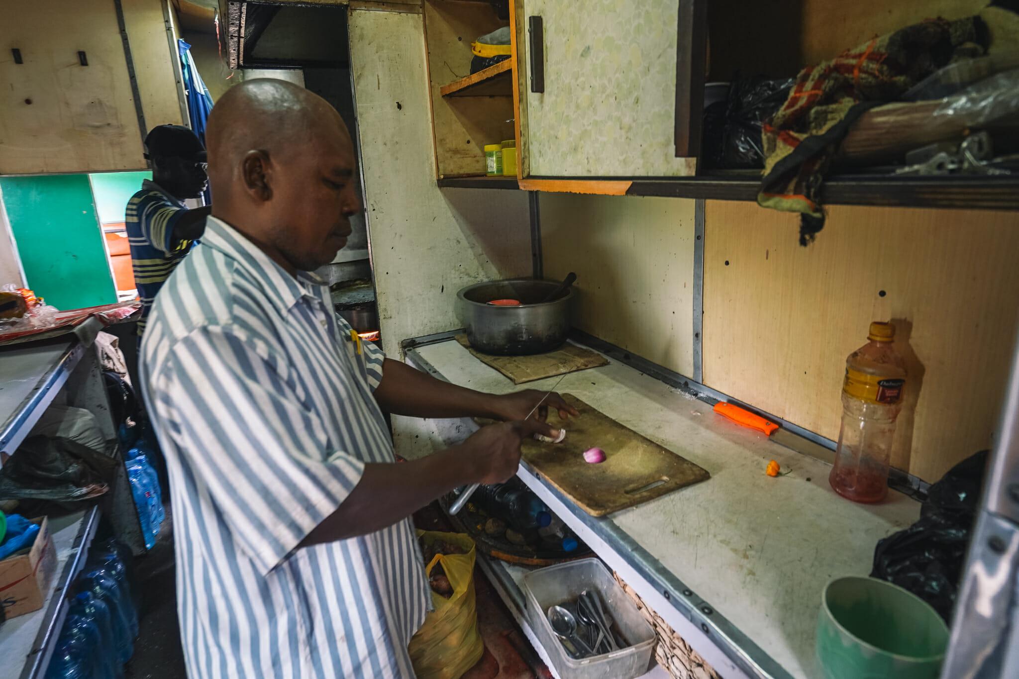 voyage-train-tanzanie-cuisine