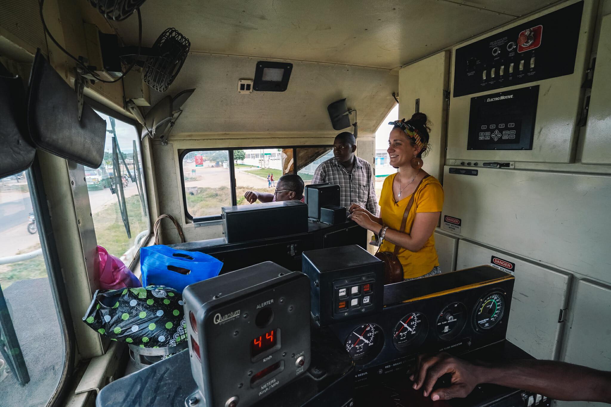 voyage-train-tanzanie-locomotive