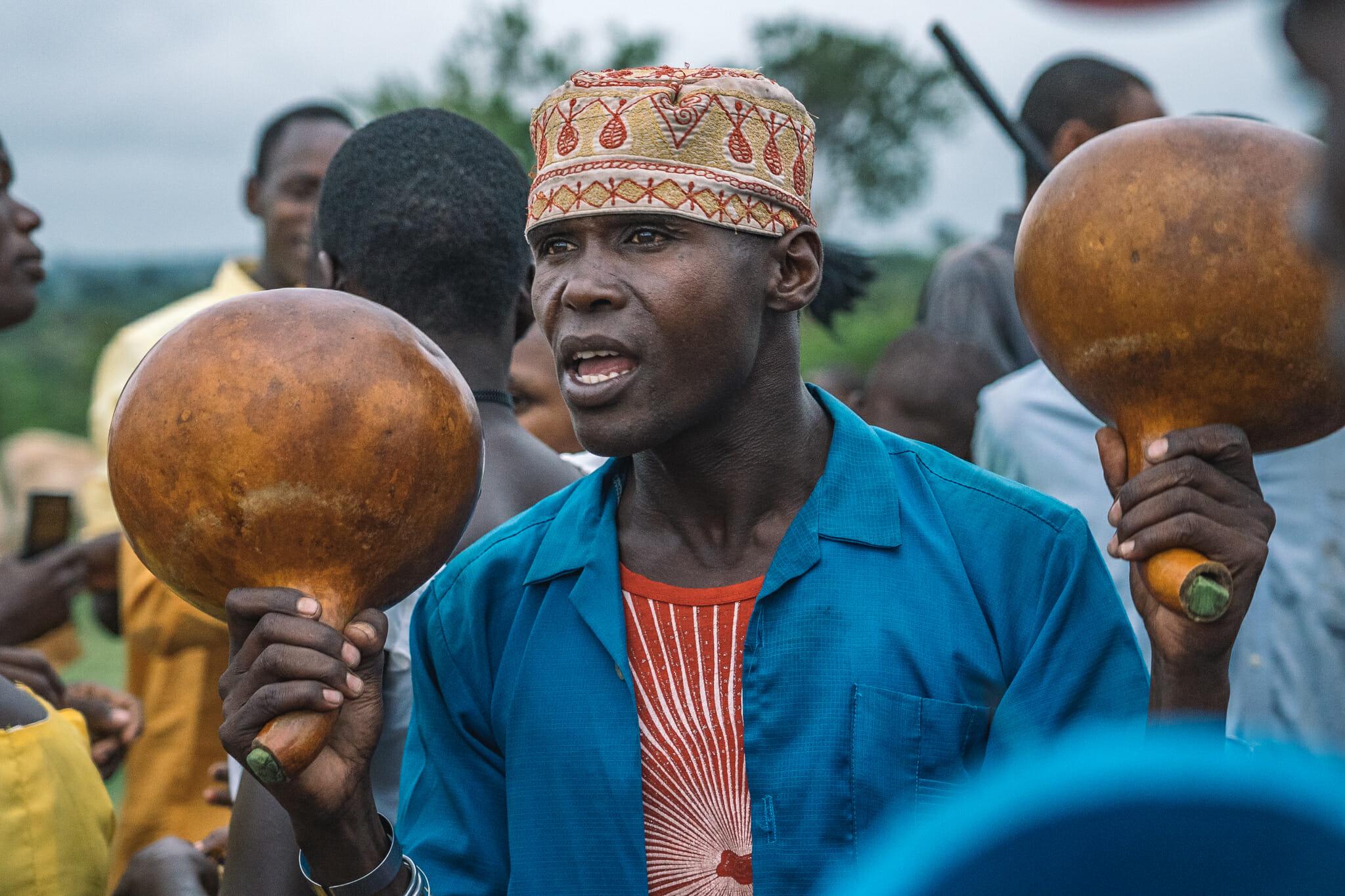 Moment de partage avec la communauté des Kurias dans le village de Nyamburi en Tanzanie