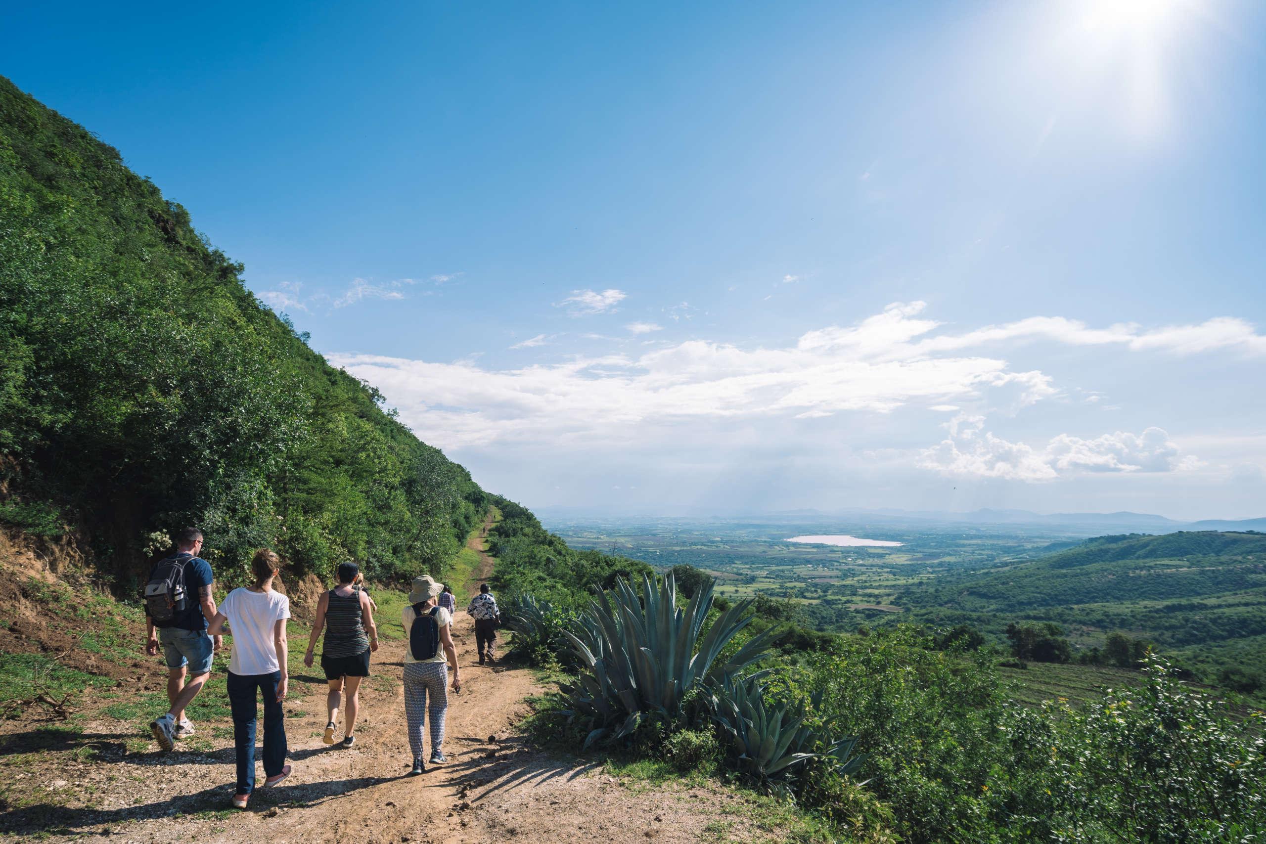 Petite randonnée menant au village de Endallah en Tanzanie