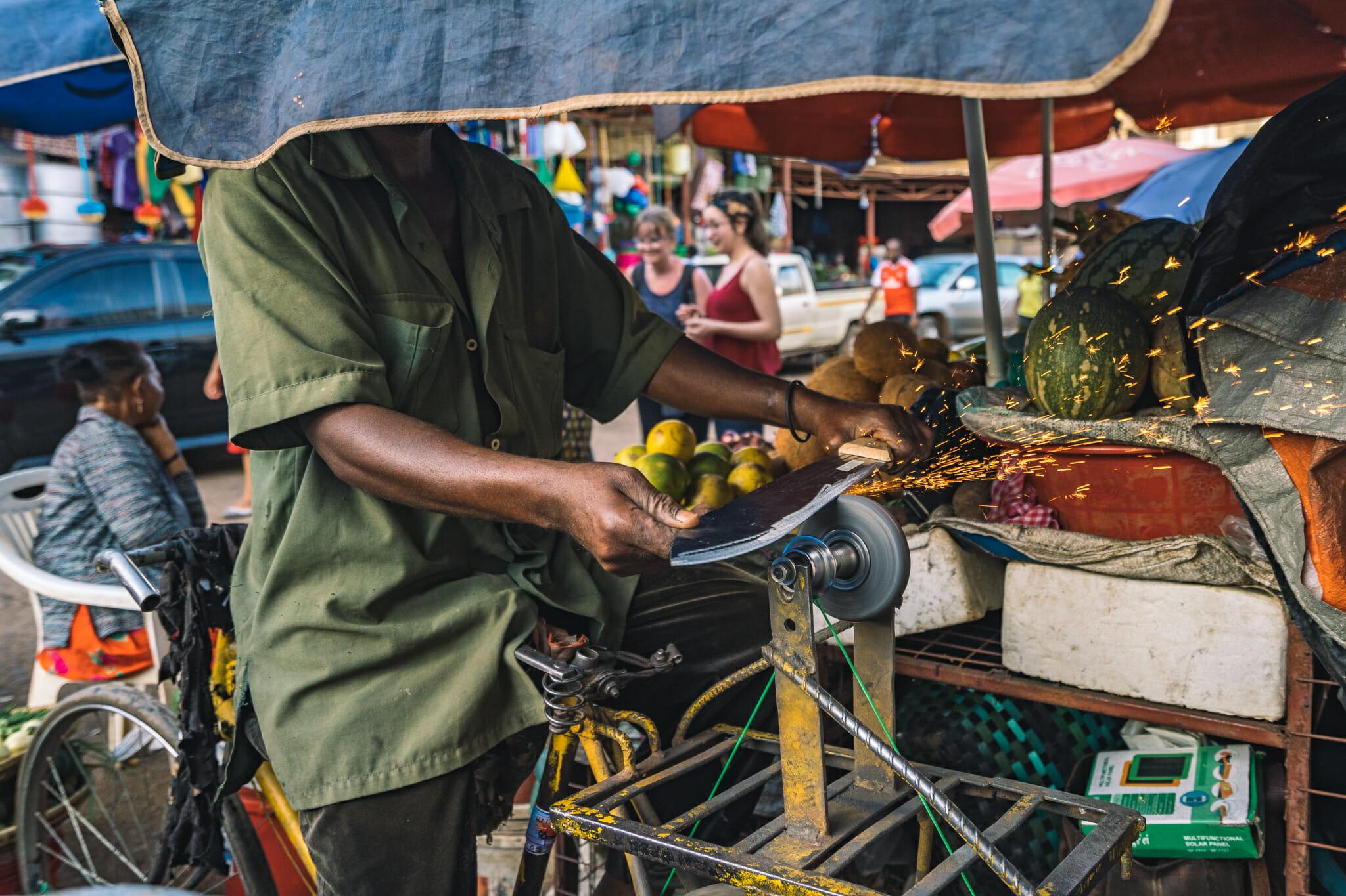 Découverte du marché de Moshi en Tanzanie