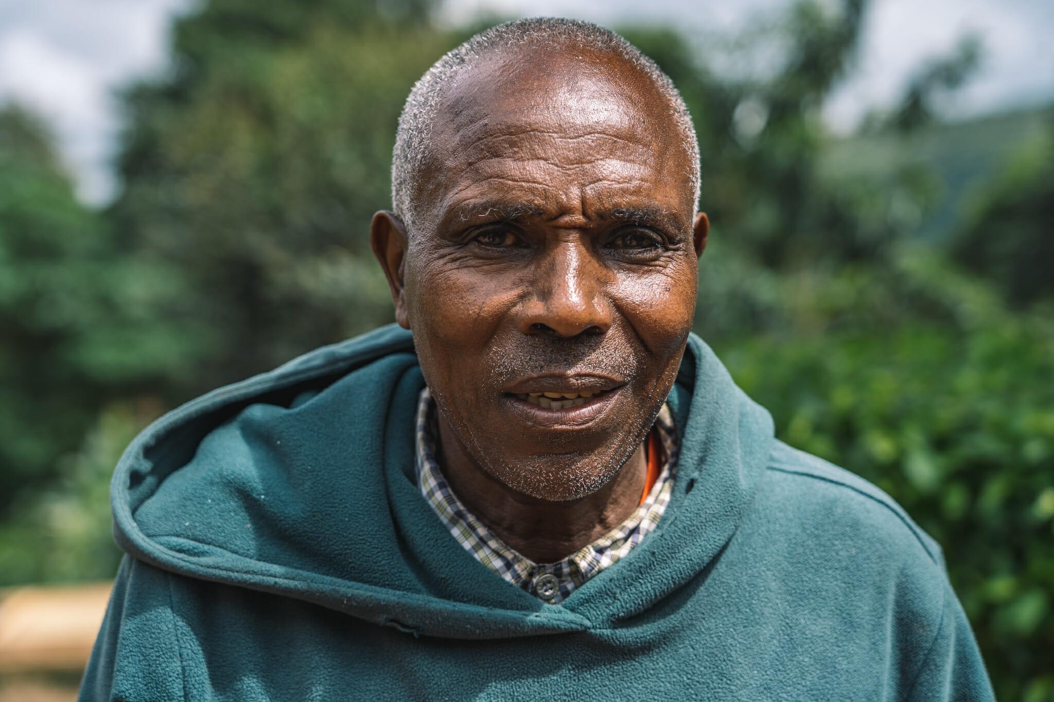 Au coeur d'une ferme familiale de café en Tanzanie