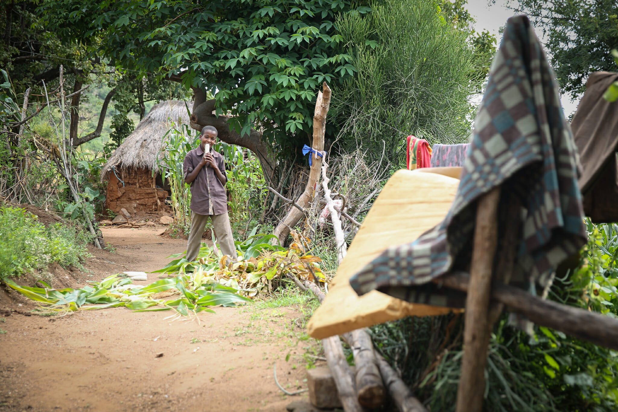 Arrivée à l'immersion dans le village d'Endallah en Tanzanie