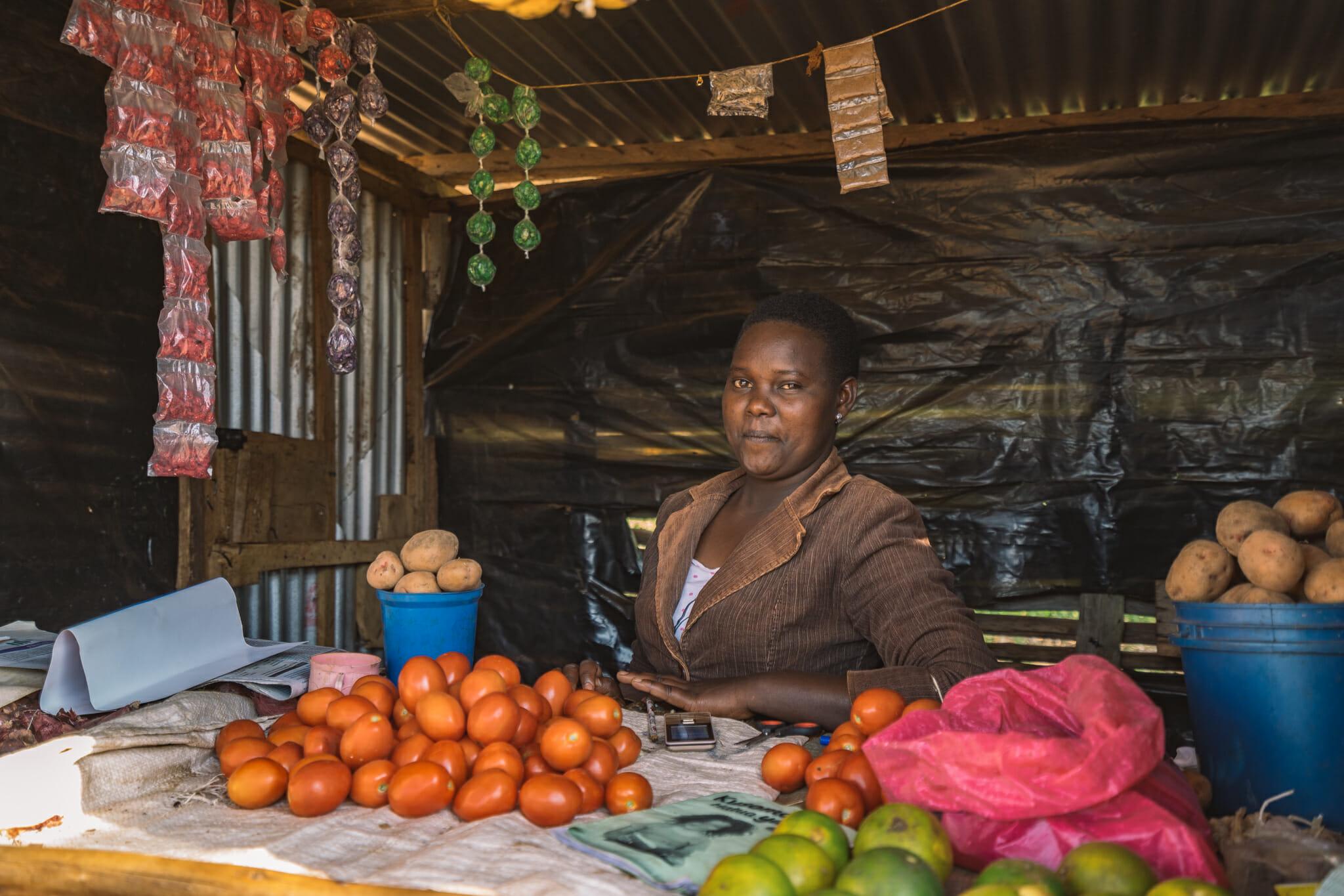 Rencontre avec les commerçants lors de l'immersion dans le village d'Endallah en Tanzanie