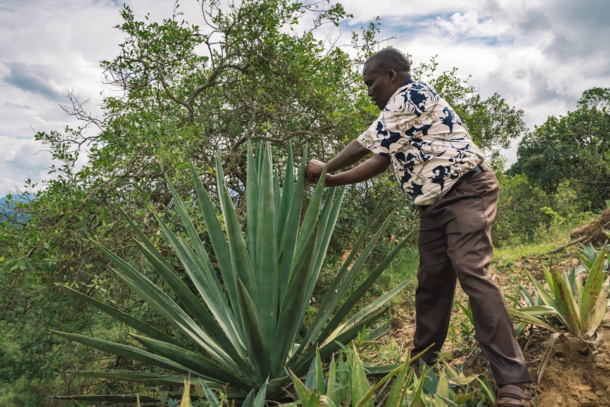 John, guide lors de l'immersion dans le village d'Endallah en Tanzanie