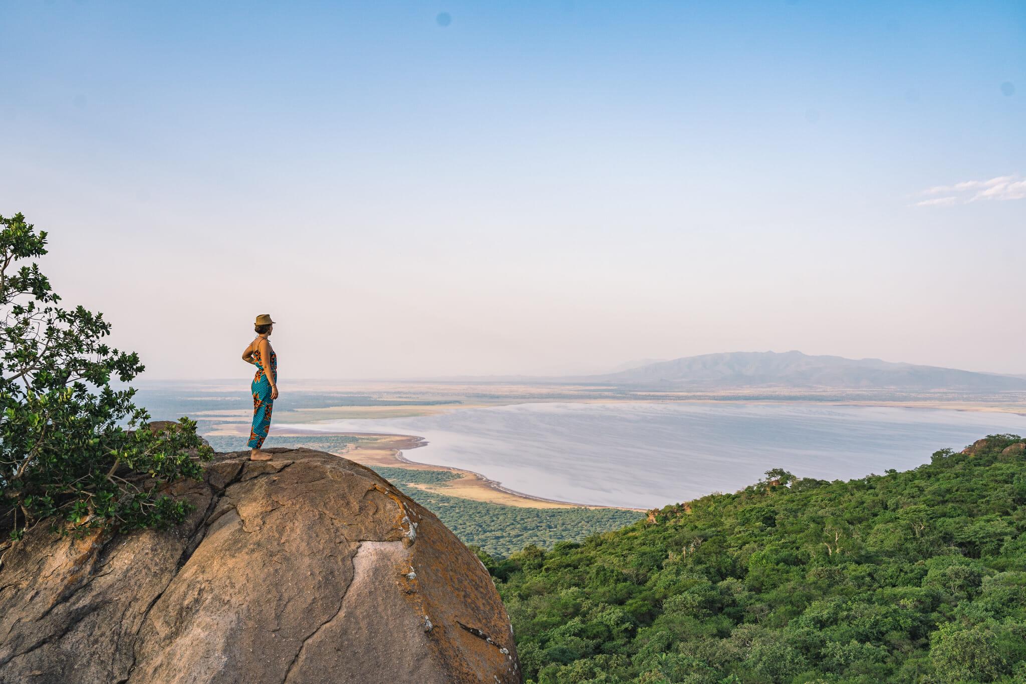 Point de vue sur le lac Manyara lors de l'immersion dans le village d'Endallah en Tanzanie
