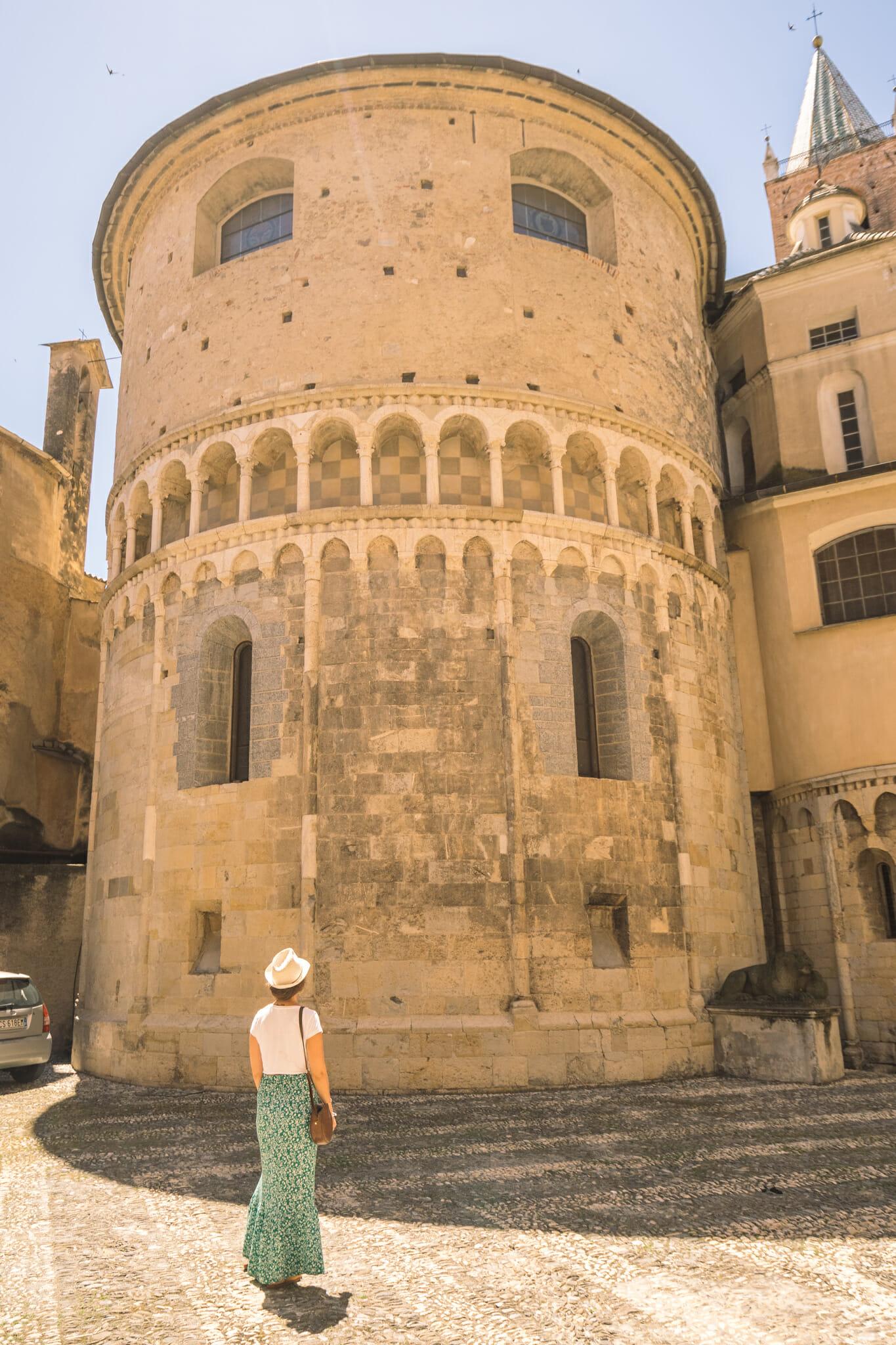 Balade dans les rues pittoresques d'Albenga