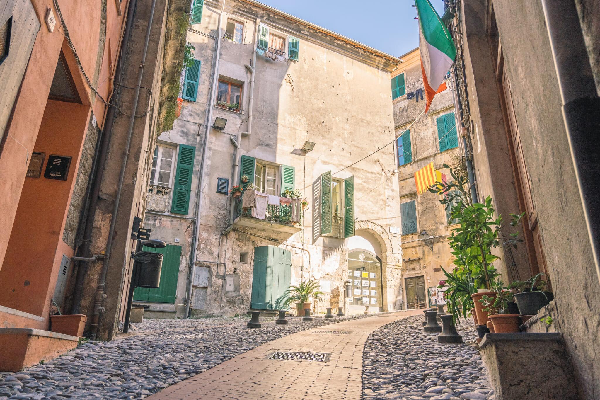 Ruelles de Vintimille en Italie du Nord