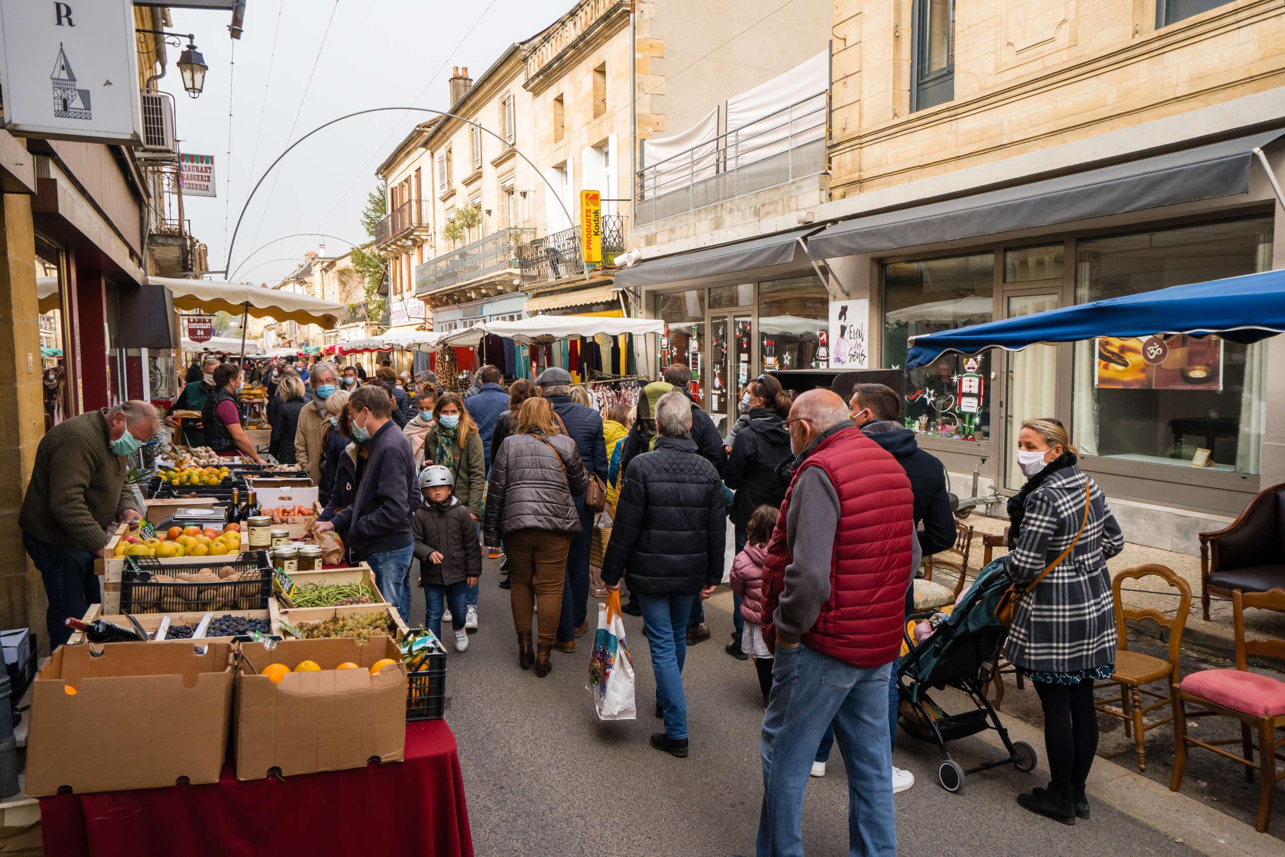 Balade sur le marché de saint cyprien en dordogne