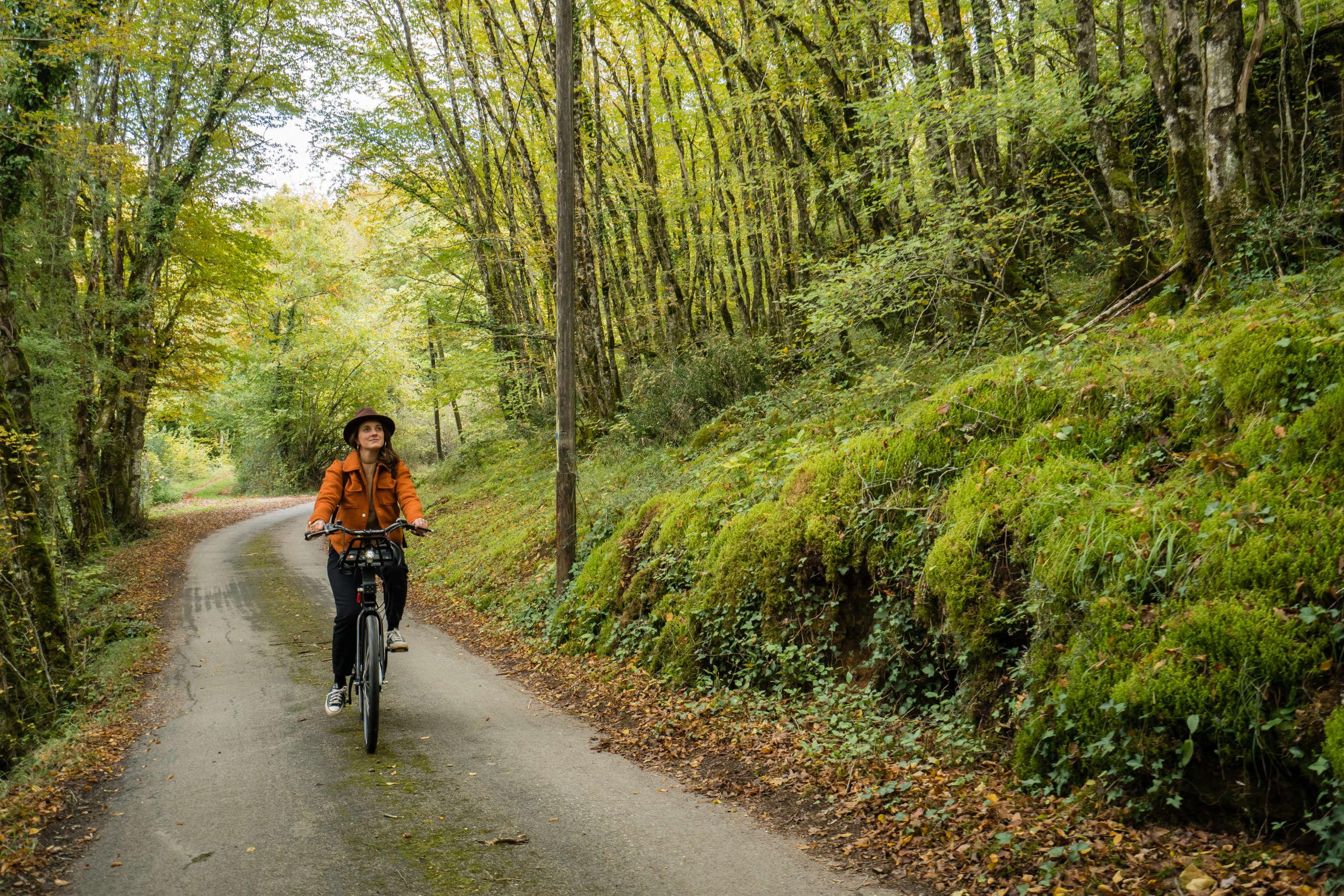 Balade à vélo au coeur de la Vallée de la Vézère en Dordogne