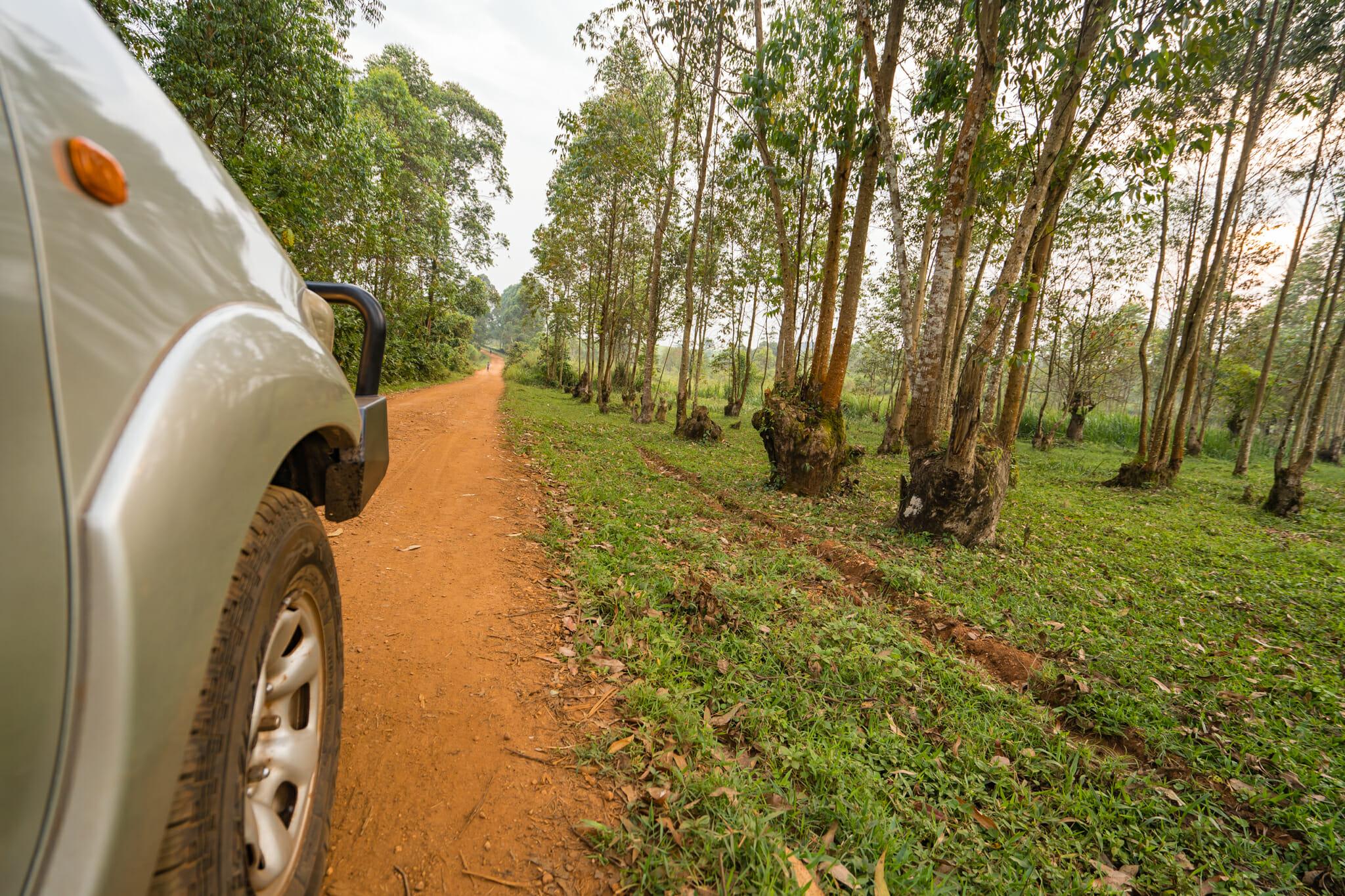 notre voiture de location pour notre road trip en ouganda