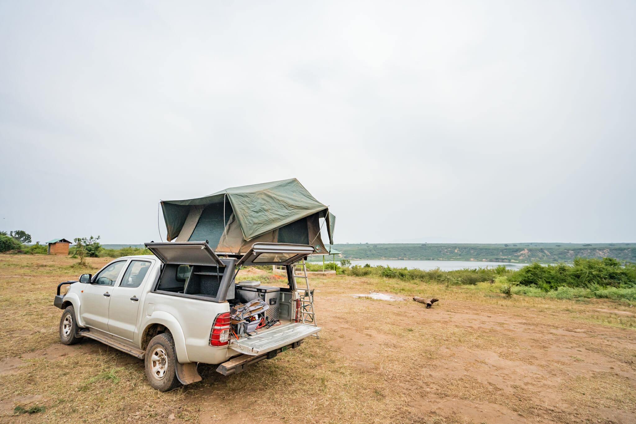 notre voiture de location pour le road trip en ouganda