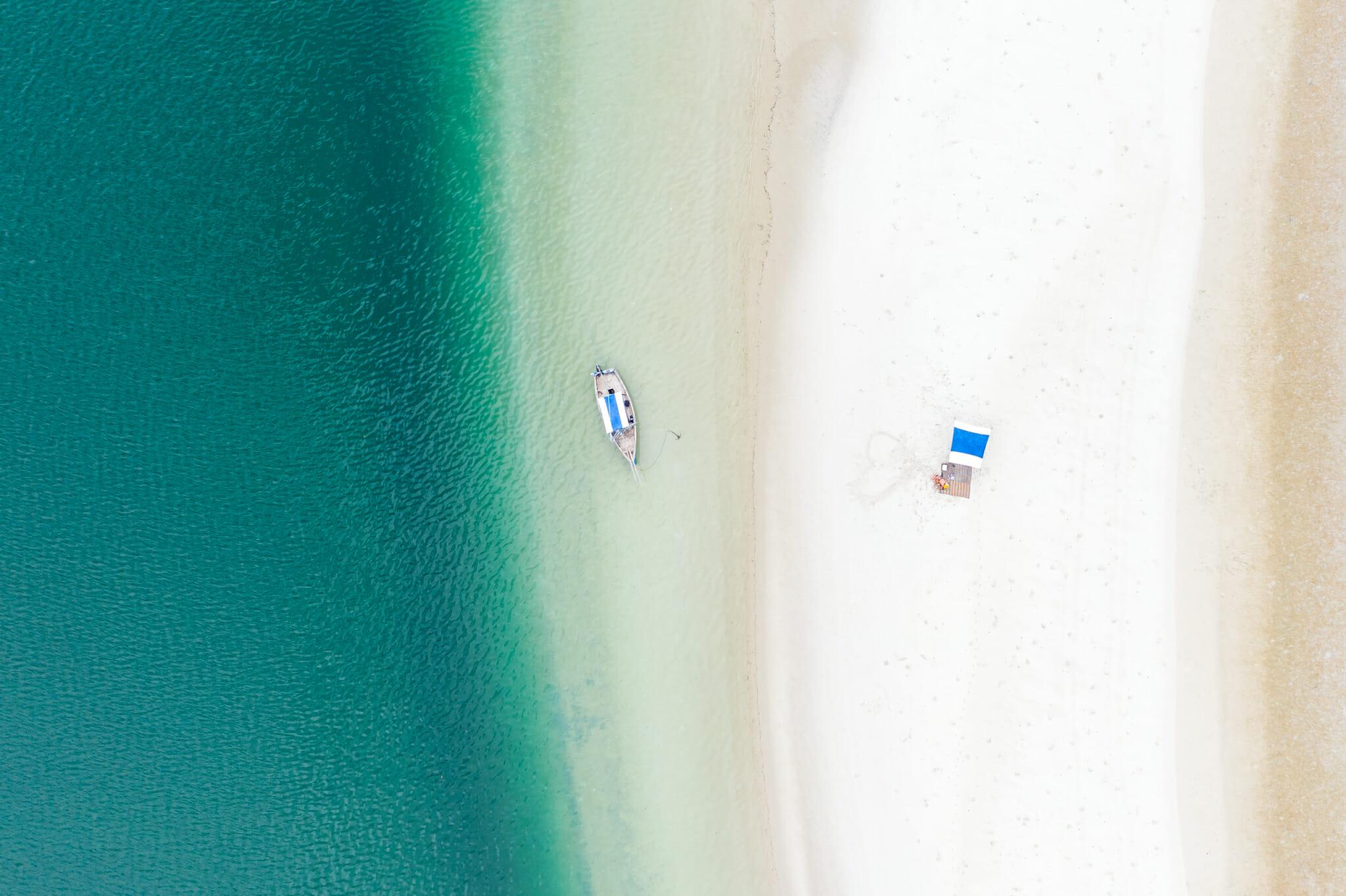 vue de drone sur le banc de sable à chole island